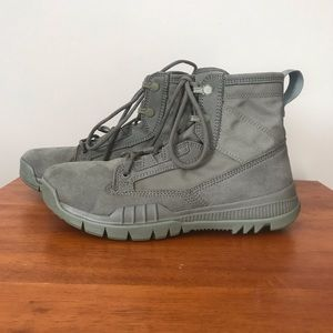 Nike Field Boots 6 inch Olive Army Green Size 6